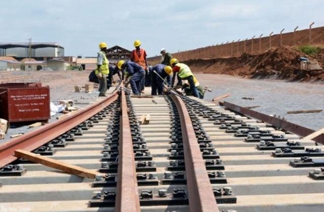 Cura del ferro per Dar es Salaam
