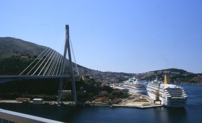 Francesi investono 93,7 milioni di euro nel porto di Gruz