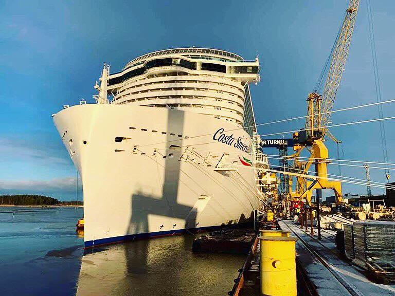 Finlandia. Varo della nave Costa Smeralda.