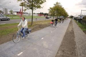 Aperta vicino ad Amsterdam SOLAROAD, prima pista ciclabile che produce energia solare