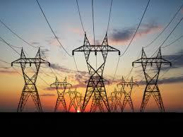 Elettricità domestica: il costo scende del 3,8% nel 2021