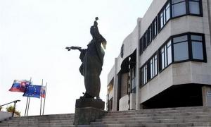 Previsioni governative su riduzione del deficit slovacco per il  2015