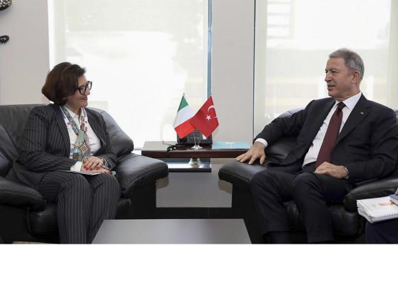 Turchia: visita ufficiale del Ministro Elisabetta Trenta in occasione della fiera IDEF 2019