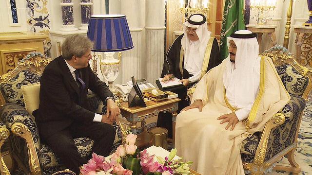 Cooperazione economica e culturale bilaterale tra gli obiettivi della visita ministro Gentiloni in Arabia Saudita